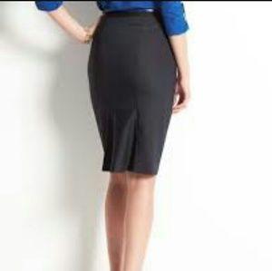Ann Taylor back pleated skirt
